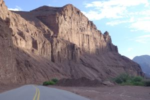 Road along the valley known as the 'Quebrada de Cafayate'